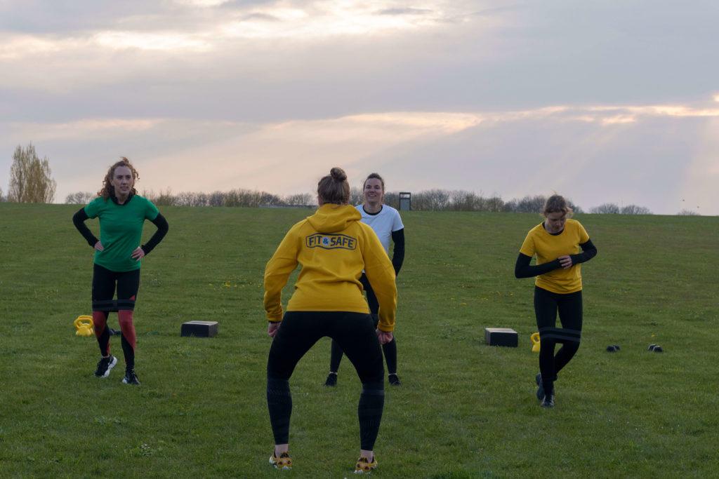 small group training in het park. Foto gemaakt door Nikki Fiorella